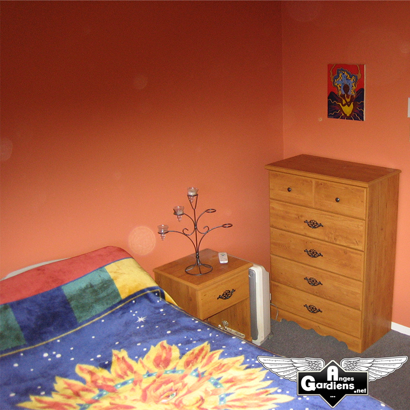 Apparition de orbes chambre a coucher photo enti re for Chambre a coucher entiere